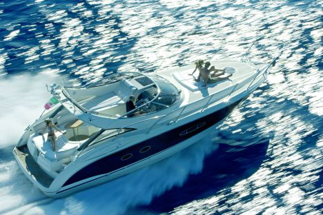 The Atlantis 39 is a boat with ultramodern characteristics, both as regards ...