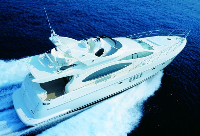 The 68 Plus has been built in the brand new Avigliana-based Azimut yard: 21 ...