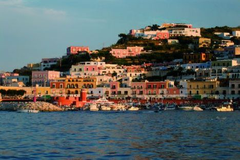 Pontine Islands - Yacht charter, boat rental, travels, cruises