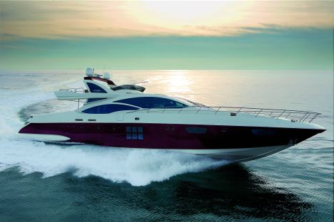Azimut 103 S. Presented in preview at the last Dubai International Boat Show ...